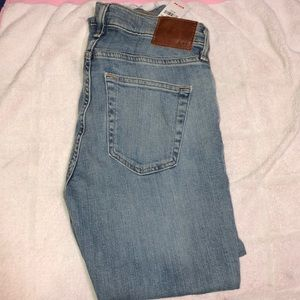 ABERCROMBIE AND FITCH MENS DENIM 28x30 CROPPED